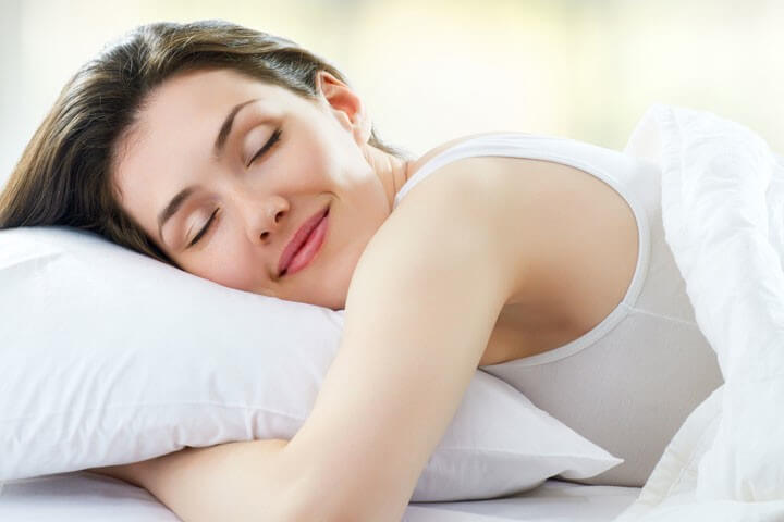 10 Benefits Of Sleeping Without A Bra!