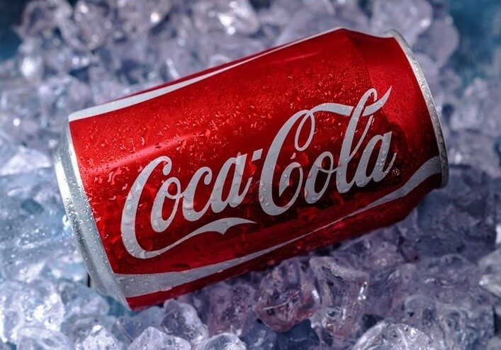 9 DIFFERENT WAYS TO USE COCA COLA IN YOUR EVERYDAY LIFE!