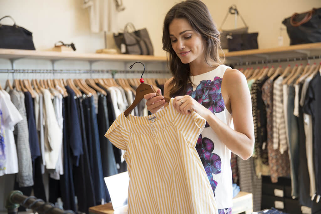 4 Benefits to Shopping Wholesale Clothes