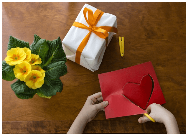 6 CUTE GIFT WRAPPING IDEAS FOR KIDS!