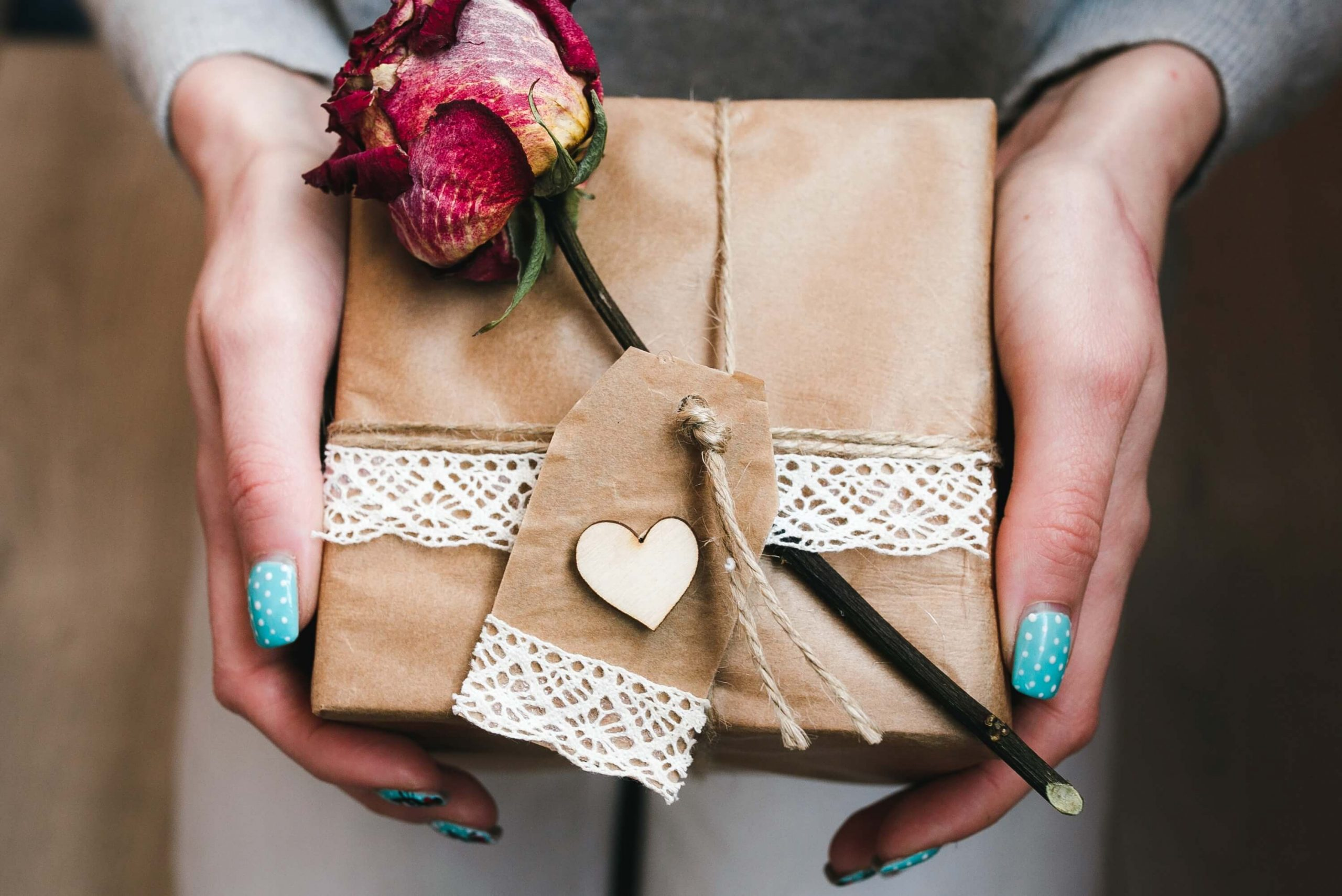 How to Save Money on Jewelry Gifts for Loved Ones